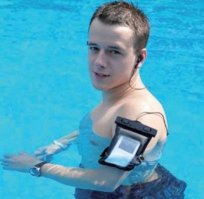 Водонепронициаемый чехол для телефона с ремнём на руку.